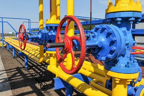 Henry Hub natural gas basis in the US: to fix or not to fix