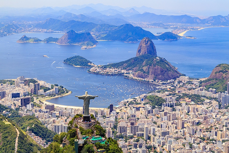 To be or not to be on the deregulated market in Brazil - that's the question