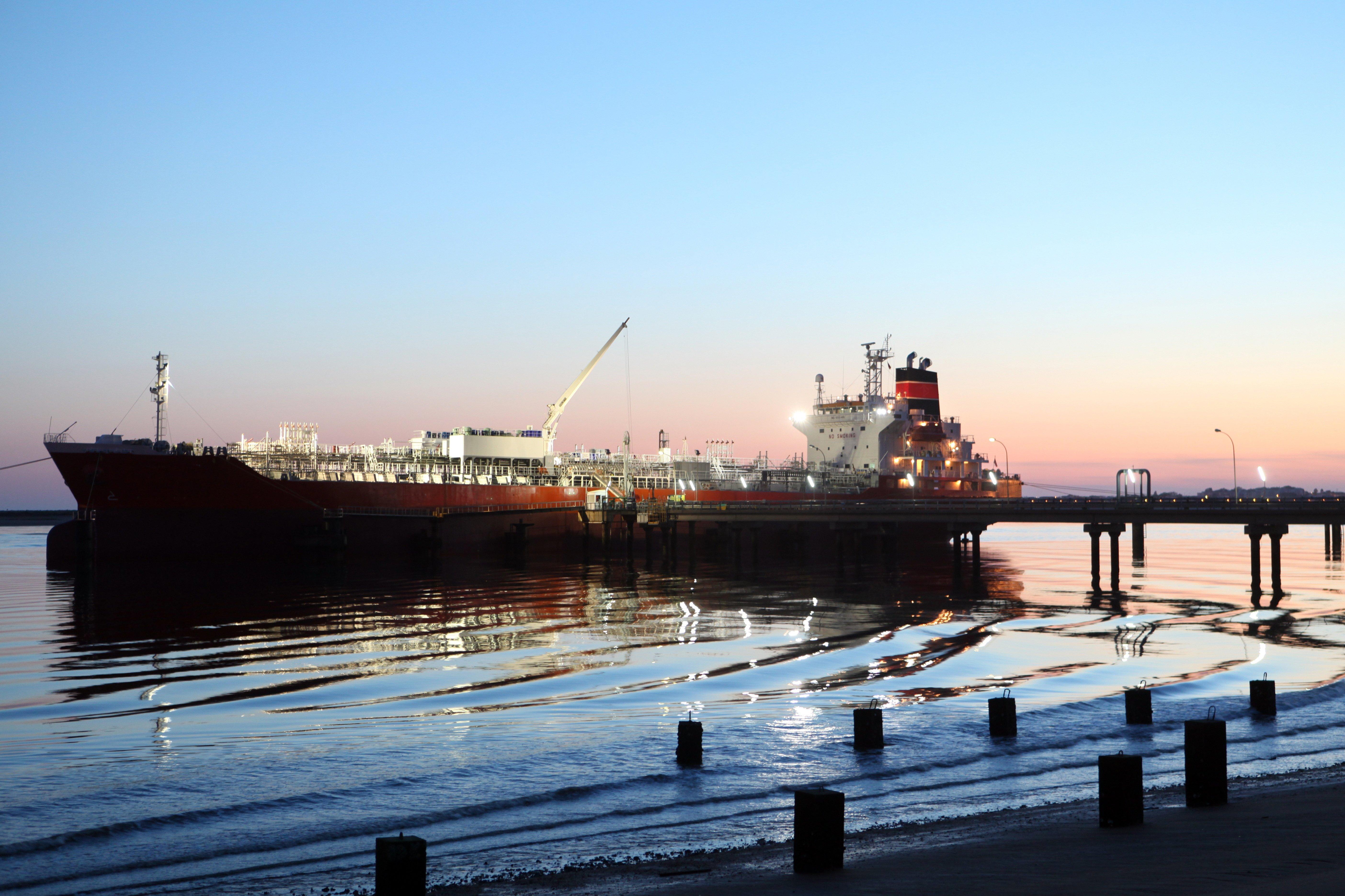 Declining oil price: geopolitics or just plain economics?